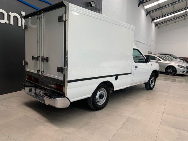 NISSAN - PICKUP 4X2 CHASSIS CAB SIMPLE - foto 2