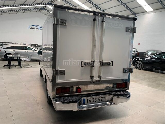 NISSAN - PICKUP 4X2 CHASSIS CAB SIMPLE - foto 3