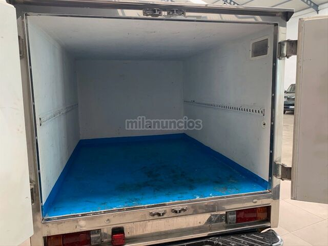 NISSAN - PICKUP 4X2 CHASSIS CAB SIMPLE - foto 6