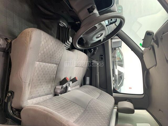 NISSAN - PICKUP 4X2 CHASSIS CAB SIMPLE - foto 7
