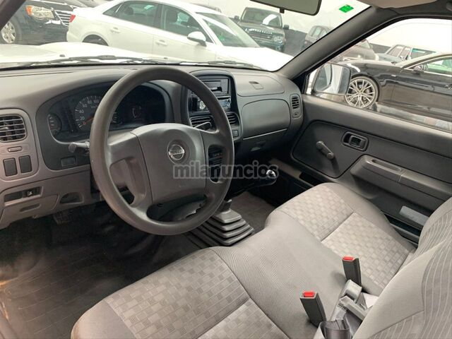 NISSAN - PICKUP 4X2 CHASSIS CAB SIMPLE - foto 8