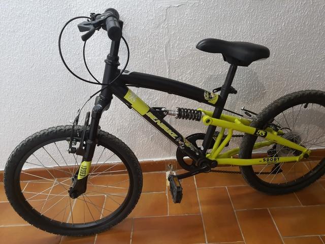 """Bicicleta Niño 20\"""" + Casco"""