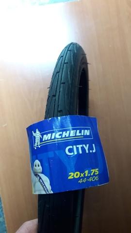 Cubierta Michelin 20X175