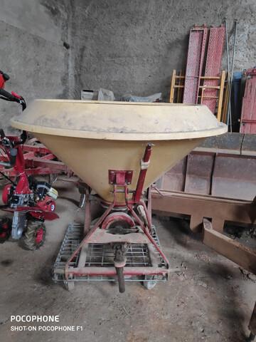 ABONADORA AGRICOLA - foto 2
