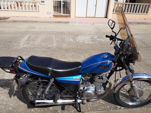 YAMAHA - SR 250 CLASICA - foto 2
