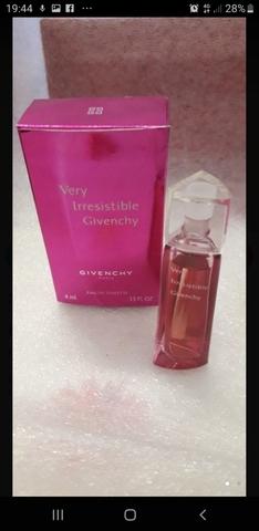 Perfume Miniatura Givenchy
