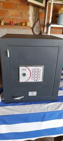 CAJA FUERTE MOD. E-912 BTV  SIN USAR - foto 2