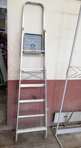 Escalera De Aluminio Plegable 6 Peldaños