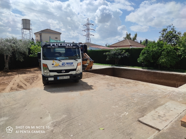 EXCAVACIONES Y CONTENEDORES PULIDO - foto 2