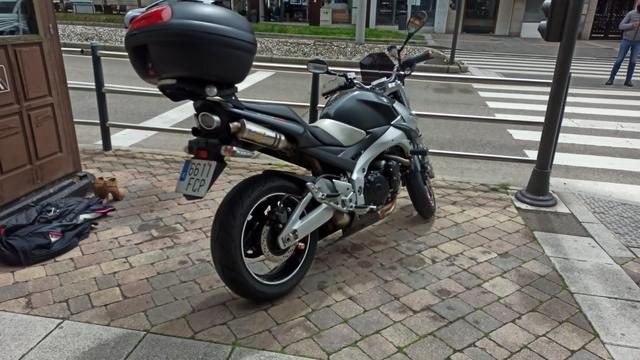 SUZUKI - GSR 600 - foto 3
