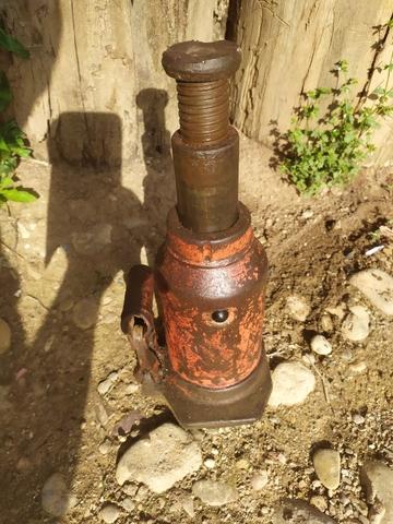 Gato Hidráulico Botella 5T