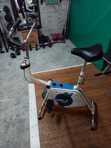 Vendo Bicicleta Estática Bh. .