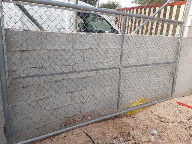 Puerta De Valla