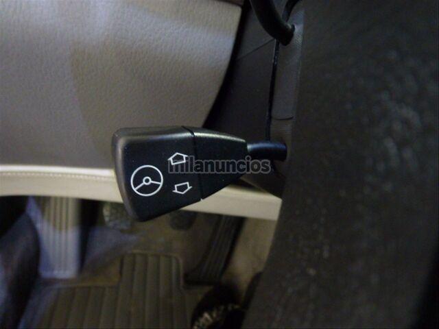 BMW SERIE 8 850CSI - foto 25