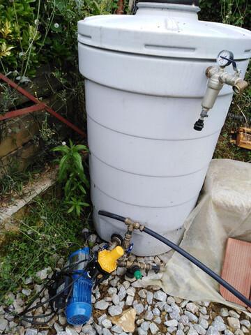 Depósito De Agua Y Bomba