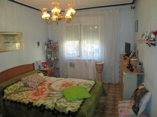 VENTA DE CASA CON PATIO Y GARAJE - foto 6