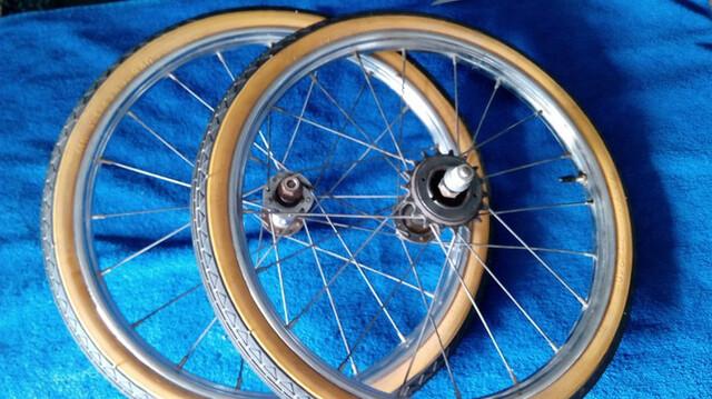 "Ruedas Bicicleta Varillas 16""X1//3/8 Bic"