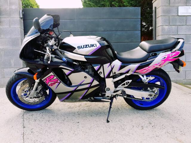 SUZUKI - GSXR750 W - foto 4