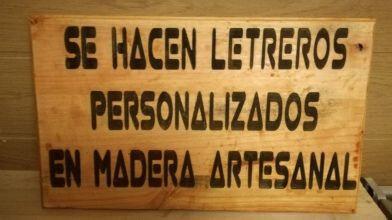Se Hacen Letreros Tallados En Madera