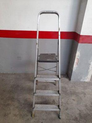 Escalera De Cuatro Peldaños
