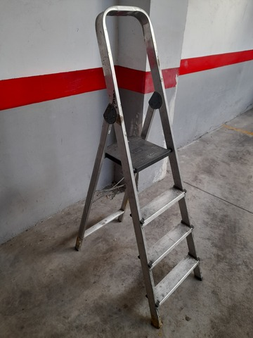 Escalera De Tres Peldaños