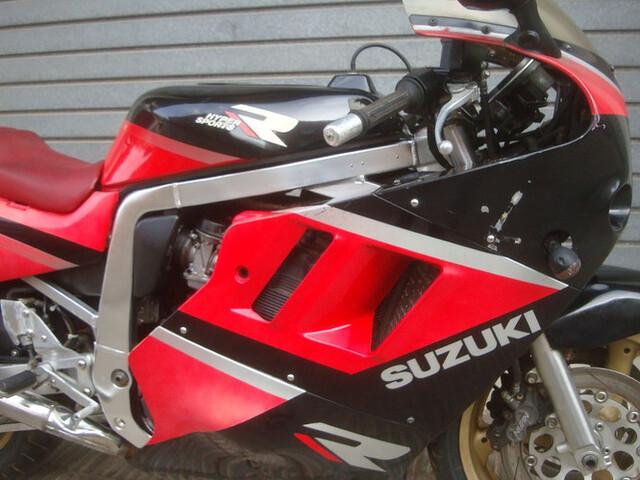 SUZUKI - GSX 1100 R - foto 4