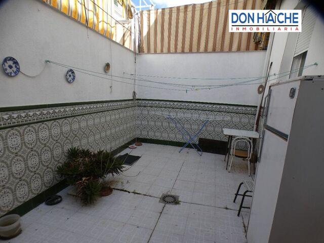 GRAN ADOSADO ZONA SUR/2 PATIOS - foto 4