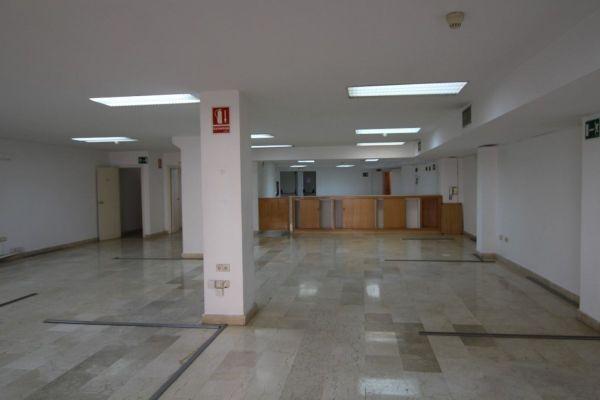 LOCAL PARA OFICINAS EN SANTA MARINA - foto 8