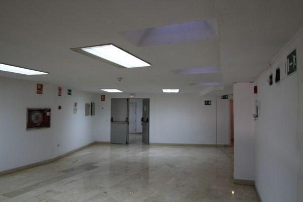 LOCAL PARA OFICINAS EN SANTA MARINA - foto 9