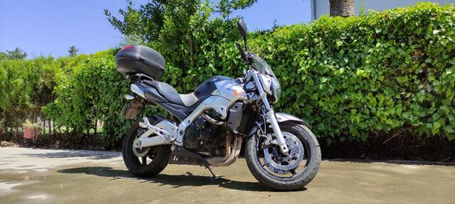 SUZUKI - GSR 600 - foto 4