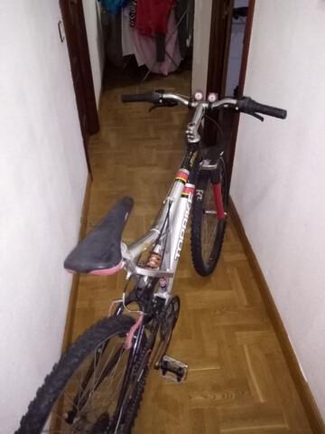 Dos Bicicletas De Montaña.