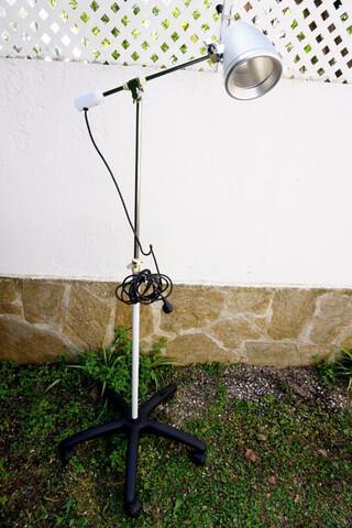 LÁMPARA CLÍNICA - foto 1