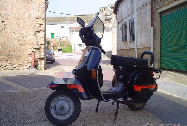 VESPA - P200E - foto 1