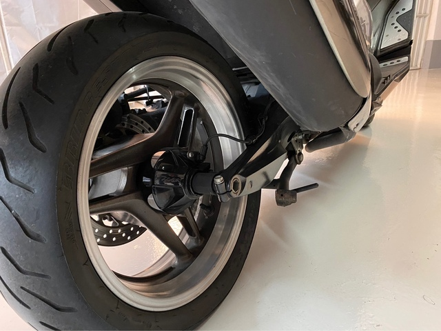 YAMAHA - TMAX SPECIAL EDITION - foto 9
