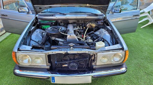 MERCEDES-BENZ - W123 300D - foto 8