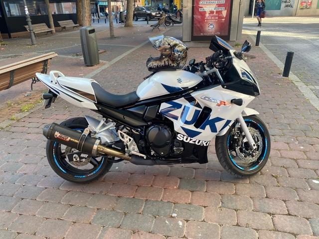 SUZUKI - GSXF 650 - foto 1