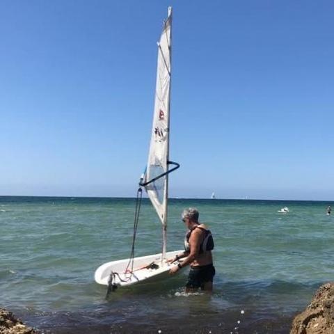 EMBARCACIÓN DE VELA LIGERA ,  WIND SURF ,  - foto 1