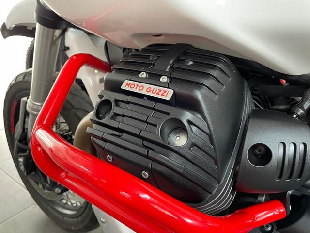 MOTO GUZZI - V85 TT - foto 8