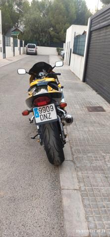 SUZUKI - GSXR 750 - foto 3