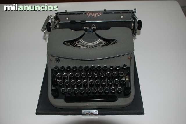 Maquina De Escribir Regia, Años 50
