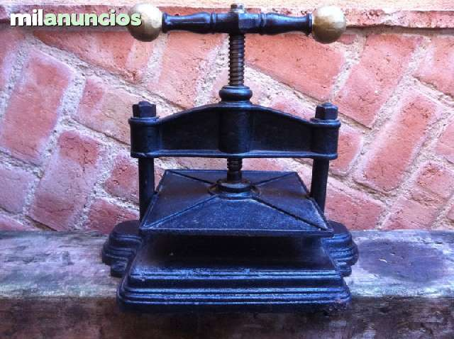 Antigua Prensa De Hierro Fundido