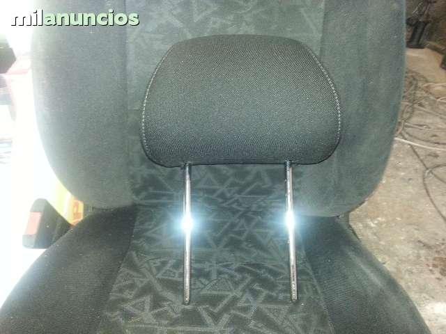 REPOSACABEZAS DE SEAT IBIZA O CÓRDOBA - foto 1