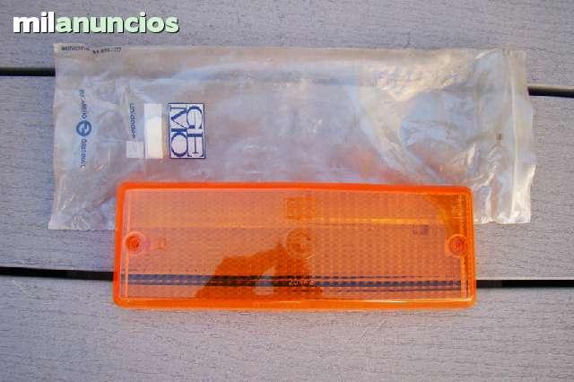 TULIPA TRASERA DERECHA DEL SEAT 124 - foto 2
