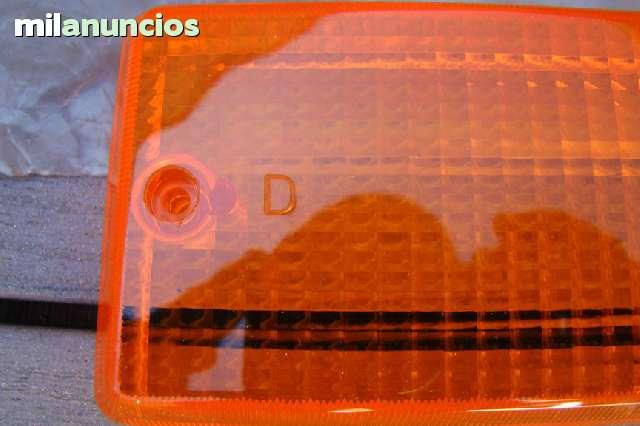 TULIPA TRASERA DERECHA DEL SEAT 124 - foto 3