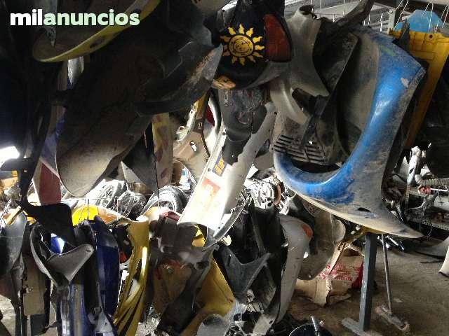 PLÁSTICOS SCOOTER,  CICLOMOTORES 50 - foto 2