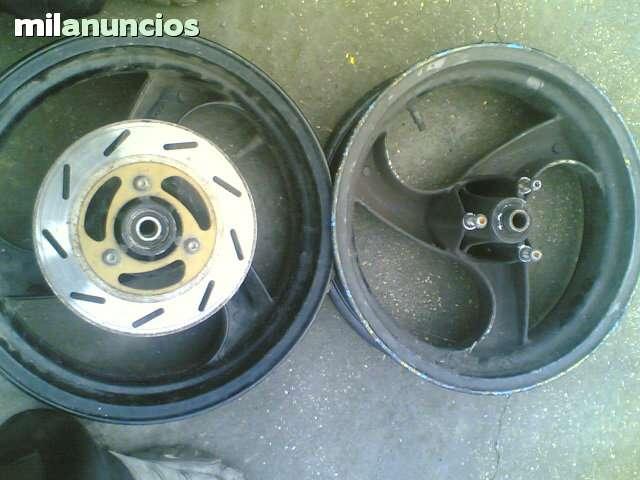 VENDO LLANTAS GRIMECA PIAGGIO MC2 GILERA - foto 4