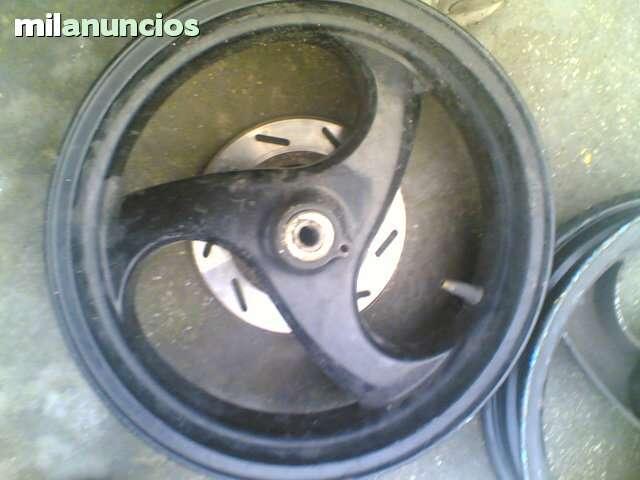 VENDO LLANTAS GRIMECA PIAGGIO MC2 GILERA - foto 5
