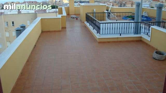 CHOLLAZO - ATICO ESP - AVDA CARLOS III - foto 2