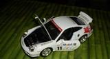 coche deportivo a escala - foto