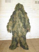 traje de camuflaje completo - foto